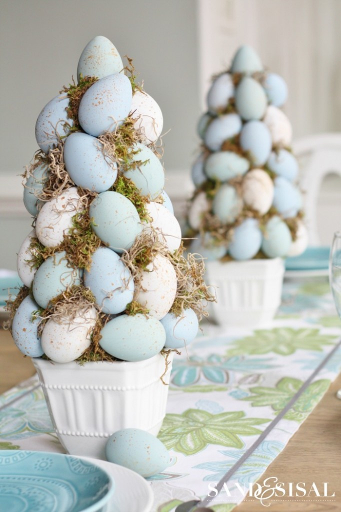 Chalk-Paint-Easter-Egg-Topiaries-682x1024